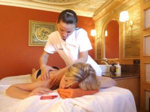Ayurvedische Massagen entspannen und förden den Prana (die Lebenskraft) – Hier im Wellnesshotel Oswald