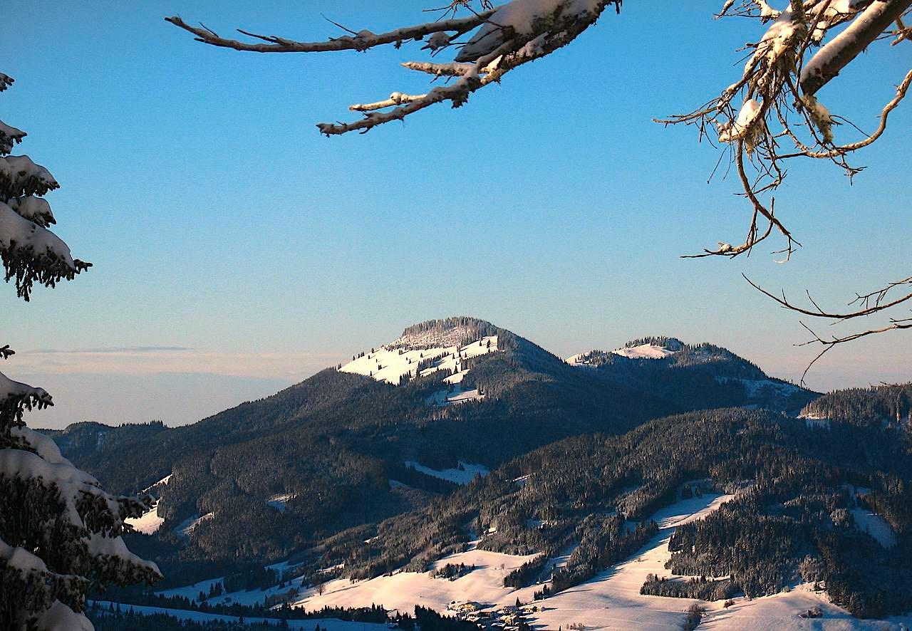 Die Nesselwanger Hausberge Alpspitz und Edelsberg