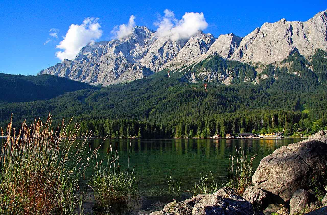 Blick vom Eibsee auf die Zugspitze